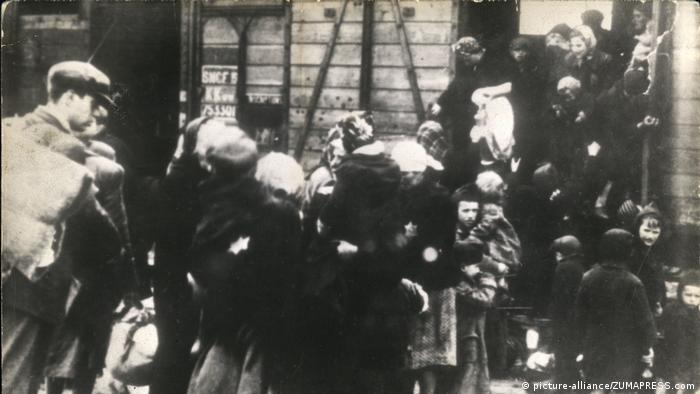 Депортация евреев в Освенцим в 1941 году