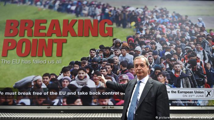 Brexit campaigner Nigel Farage launches a new poster campaign ahead of the EU referendum in Smith Square in London, Britain (picture-alliance/dpa/F. Arrizabalaga)