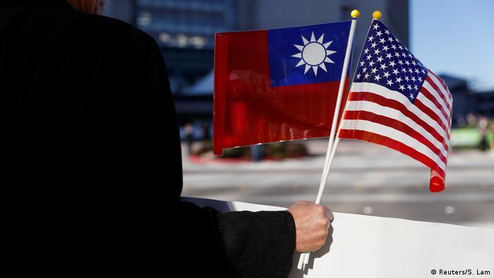 Symbolbild Beziehungen USA - Taiwan (Reuters/S. Lam)