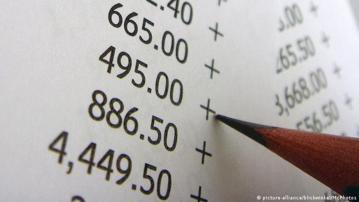 Pape com números e lápis