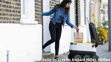 UK | Delivery robot des Lieferdienstes Just Eat
