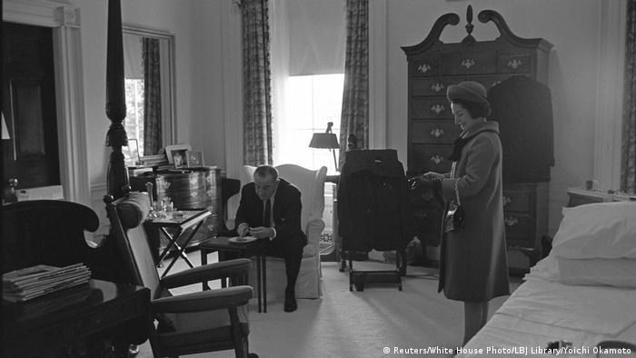 US Präsidenten Amtseinführungen Lyndon B. Johnson and Lady Bird Johnson (Reuters/White House Photo/LBJ Library/Yoichi Okamoto)