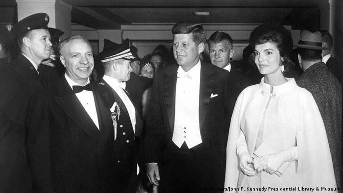 US Präsidenten Amtseinführungen John F. Kennedy mit Jacqueline Kennedy (Reuters/John F. Kennedy Presidential Library & Museum)