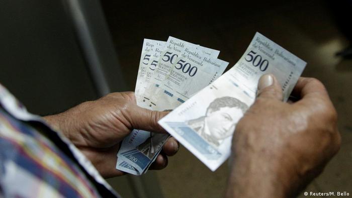 Venezuela | Einführung neuer Banknoten in Venezuela (Reuters/M. Bello)