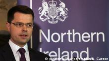 16.01.2017+++Belfast, Nordirland+++ Renewable Heat Initiative allegations. Northern Ireland Secretary James Brokenshire speaking in Stormont House, Belfast where he called a snap Stormont Assembly election for March 2. Picture date: Monday January 16, 2017. See PA story ULSTER RHI. Photo credit should read: Niall Carson/PA Wire URN:29750173 |