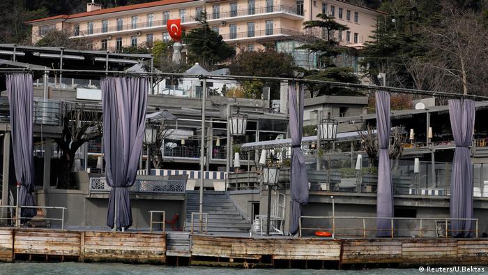 Reina Nachtclub Istanbul (Reuters/U.Bektas)