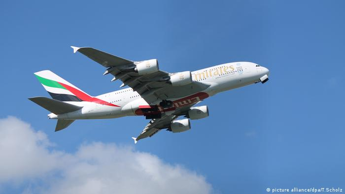 An Airbus A380-861 with Emirates Airlines (picture alliance/dpa/T.Scholz)
