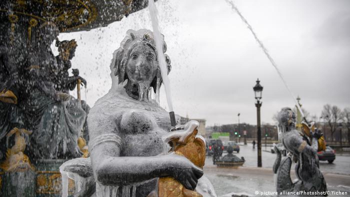 Fransa'da soğuk havaya hazırlık