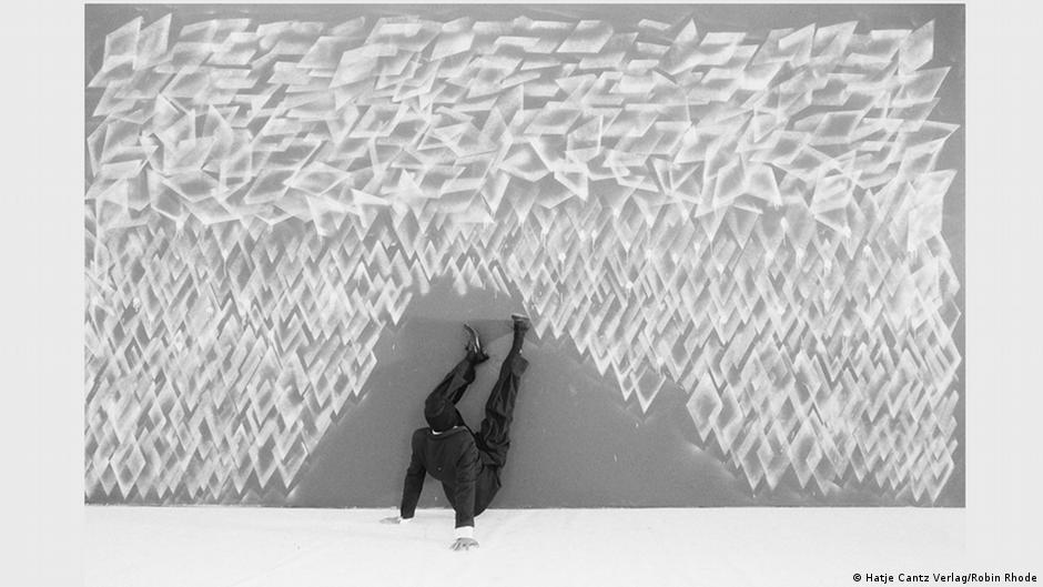 Robin Rhode Schwarz Weiß Malerei Gibt Es Bei Ihm Nur In Der Kunst