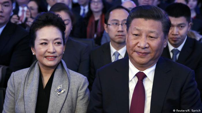 Davos Chinas Präsident Xi und Ehefrau