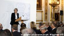 London Premierministerin Theresa May bei Rede zu Brexit