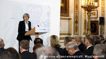 London Premierministerin Theresa May bei Rede zu Brexit (picture-alliance/empics/K. Wigglesworth)