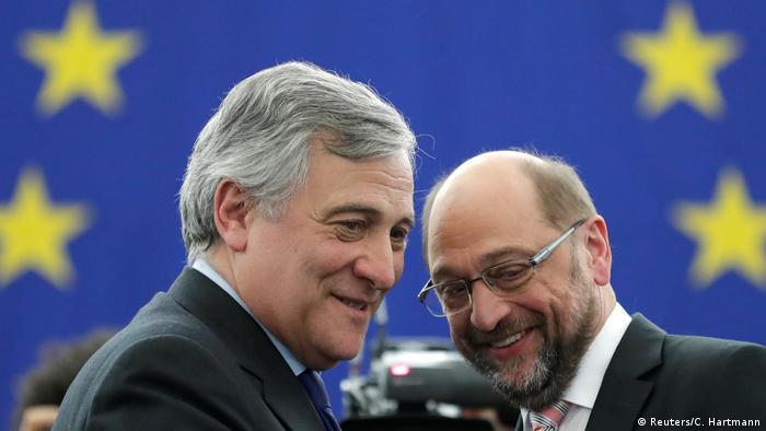 Frankreich Antonio Tajani und Martin Schulz im EU-Parlament in Straßburg (Reuters/C. Hartmann)