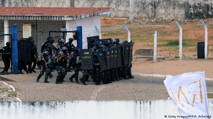 Brasilien Unruhen im Gefängnis Alcacuz in Natal (Getty Images/AFP/A. Anholete)