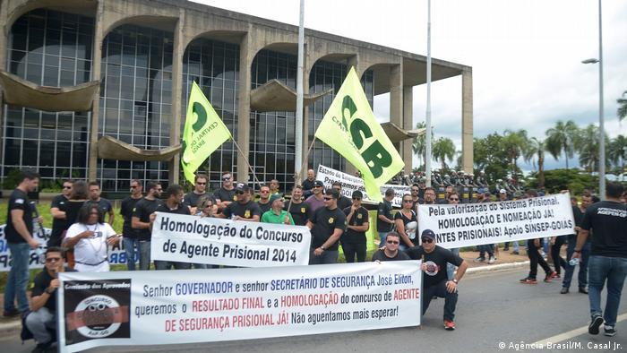 Brasilien Demonstration Gefängnis (Agência Brasil/M. Casal Jr.)