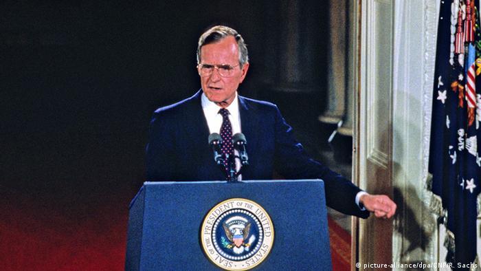 USA George Bush Senior Ex-Präsident (picture-alliance/dpa/CNP/R. Sachs)