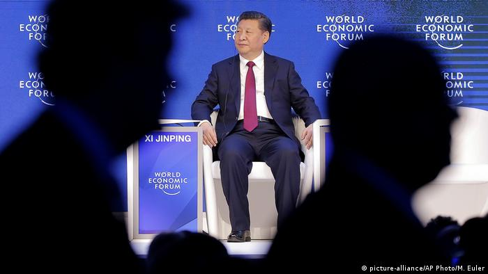 Schweiz Davos - Wordl Economic Forum mit Chinas Präsident Xi Jinping (picture-alliance/AP Photo/M. Euler)