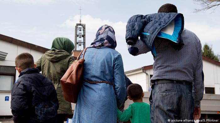 Syrische Familie im Grenzdurchgangslager Friedland