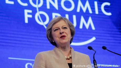 Schweiz Theresa May Brexit Rede in Davos (picture-alliance/AP Photo/M. Euler)