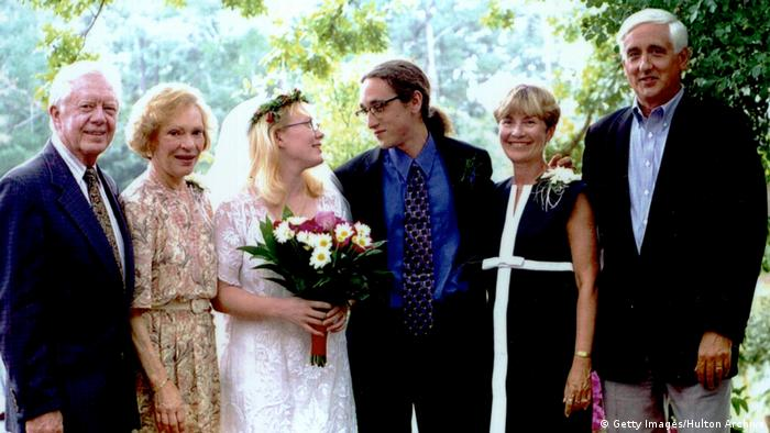 Amy Carter with family at her wedding in 1996 (Getty Images/Hulton Archive)