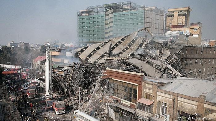 Iran Tehran Brand Haus Gebäude Einsturz Feuerwehr