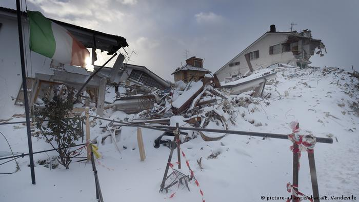 Italien Erdbeben Amatrice (picture-alliance/abaca/E. Vandeville)