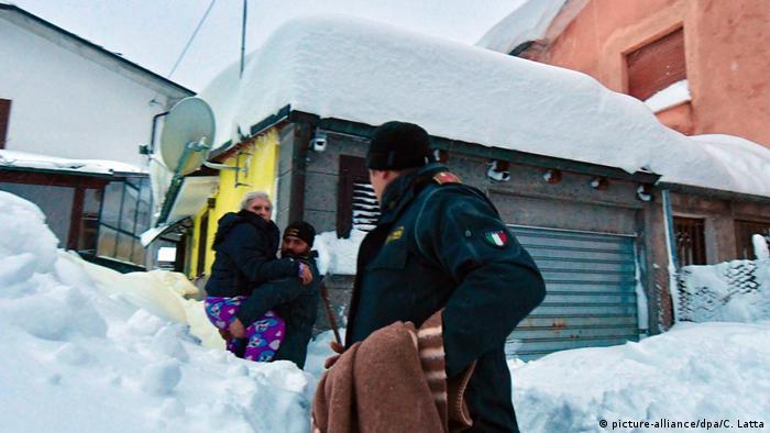 Italien Erdbeben in Montereale (picture-alliance/dpa/C. Latta)