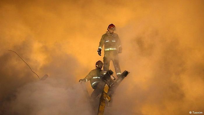 Iran Plasco Absturz Teheran Feuerwehr (Tasnim)