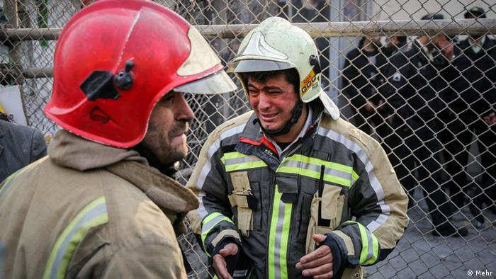 Iran Plasco Absturz Teheran Feuerwehr (Mehr)