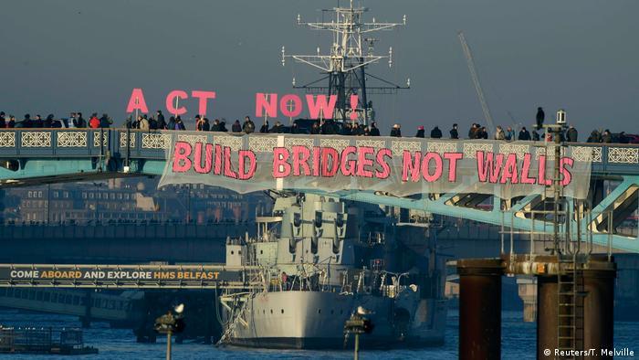 London Tower Bridge Anti Trump Protest (Reuters/T. Melville)