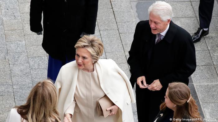 USA Amtsübernahme Trump Ehepaar Clinton (Getty Images/AFP/J. Angelillo)
