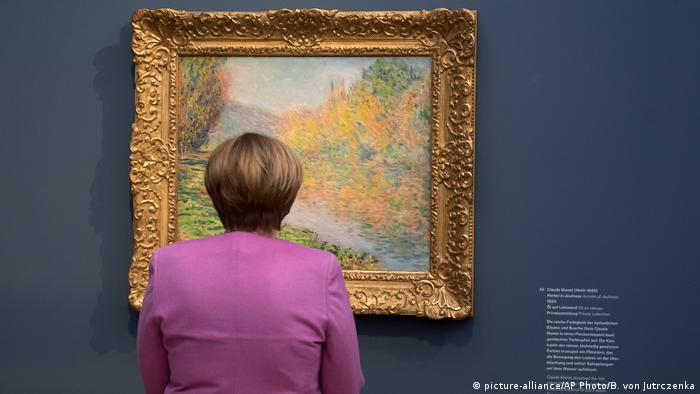 Angela Merkel in the Barberini Museum (picture-alliance/AP Photo/B. von Jutrczenka)