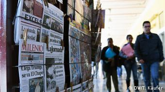 Mexiko Zeitungen (DW/T. Käufer)