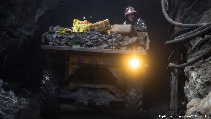 Peru Goldmine (picture alliance/AA/C. Sebastien)