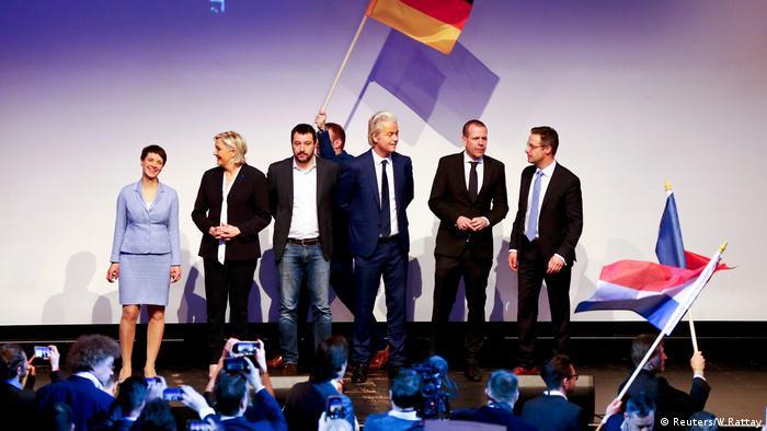 نشست احزاب راستگرای اروپا در کوبلنز: (از چپ به راست) فراوکه پتری، رهبر آلترناتیو برای آلمان، مارین لوپن، رهبر جبهه ملی فرانسه، ماتئو سالوینی، از رهبران حزب لیگای شمال ایتالیا، خیرت ویلدرز، رهبر حزب آزادی هلند، هارالد ویلیمسکی، از رهبران حزب آزادی اتریش، مارکوس پرتسل، از رهبران حزب آلترناتیو برای آلمان