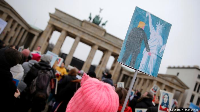 Women's March in Berlin Deutschland (Reuters/H. Hanschke)