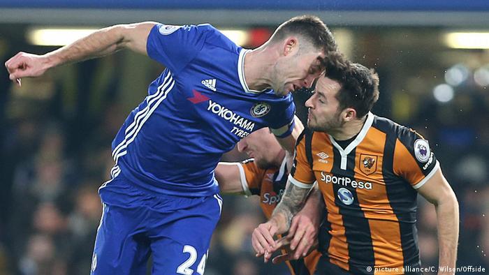 Füssballer der Hull City Ryan Mason verletzt (Schädelbruch) (picture alliance/C. Wilson/Offside)