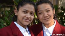 Name der Personen in den Bilder - Tejasweeta Pradhan and Shivani Gond Bildbeschreibung - Schulkinder aus West Bengal, Indien, die Tapferkeitsmedaille wegen Einsatz gegen Menschenhändler-Ring erhalten haben Copyright - Murali Krishnan, Correspondent aus Indien