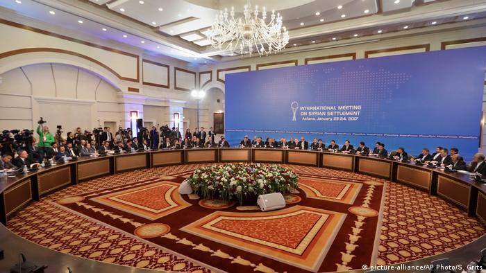 Las negociaciones entre el Gobierno y rebeldes sirios en la capital kazaja, Astaná, bajo el auspicio de Rusia, garante del equipo gubernamental, y Turquía, valedora de la oposición, serán indirectas. (23.01.2017)