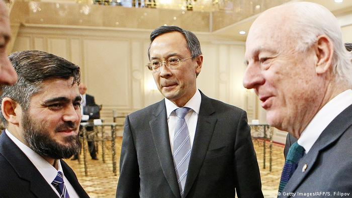 Muhammed Alluş, Kazakistan Dışişleri Bakanı Kayrat Abdrahmanov ve BM özel temsilcisi Staffan de Mistura.