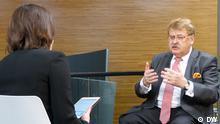 Deutschland Elmar Brok im DW Interveiw mit Zhanna Nemtsova