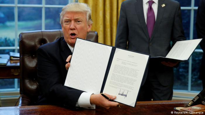 USA steigen aus Transpazifik-Handelsabkommen aus (Reuters/K. Lamarque)