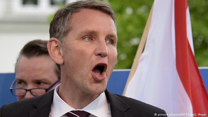 Spaltet der Rechtsaußen Björn Höcke die AfD? (picture alliance/AP Photo/J. Meyer)
