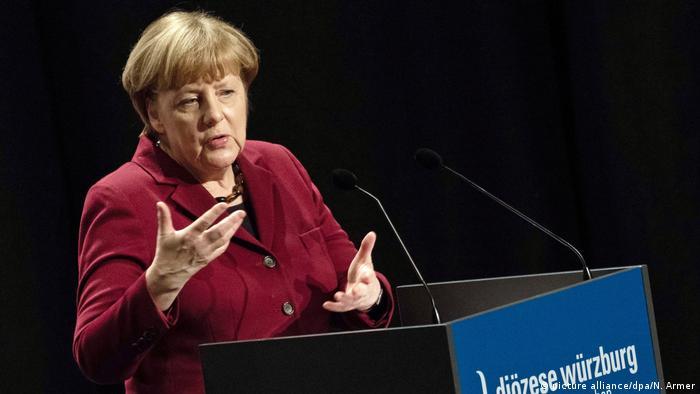 Deutschland Merkel: Nationalismus löst Probleme der Gegenwart nicht (picture alliance/dpa/N. Armer)