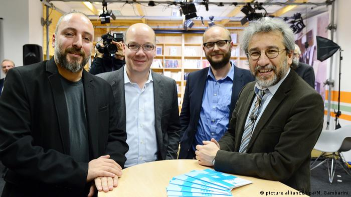 Deutschland Can Dündar gründet Özgürüz Online-Medium (picture alliance/dpa/M. Gambarini)