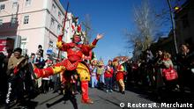 21.01.2017****Dancers perform during a parade to celebrate the upcoming Chinese New Year in Lisbon, Portugal January 21, 2017. REUTERS/Rafael Marchante