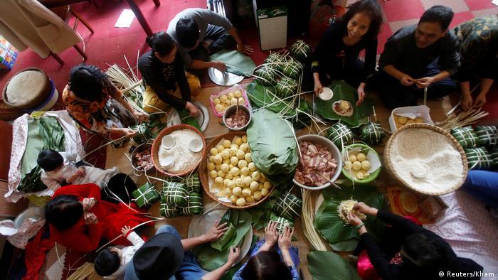 Chinesisches Neujahrsfest 2017 Familie in Hanoi (Reuters/Kham)