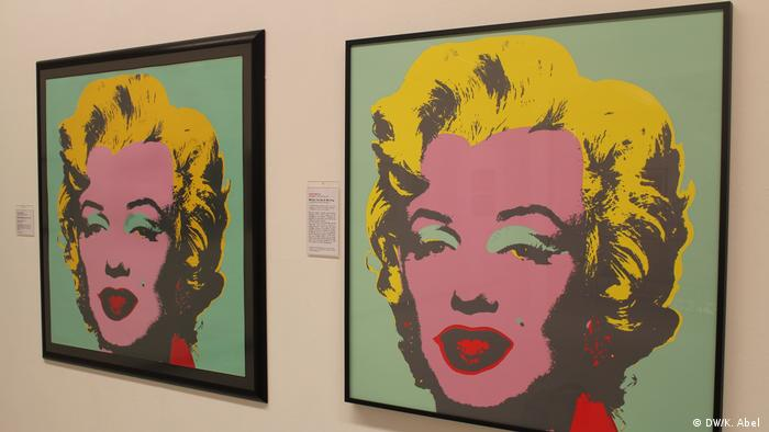 Andy Warhol's Marilyn Monroe portrait at the Let's Buy It exhibition in Oberhausen (DW/K. Abel )