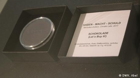 Chocolate coin at Let's Buy It in Oberhausen (DW/K. Abel )