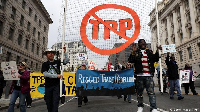 Protesters in Washington DC rallying against TPP